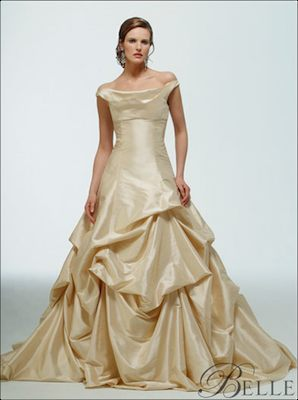 disney_weddingdress_belle_1